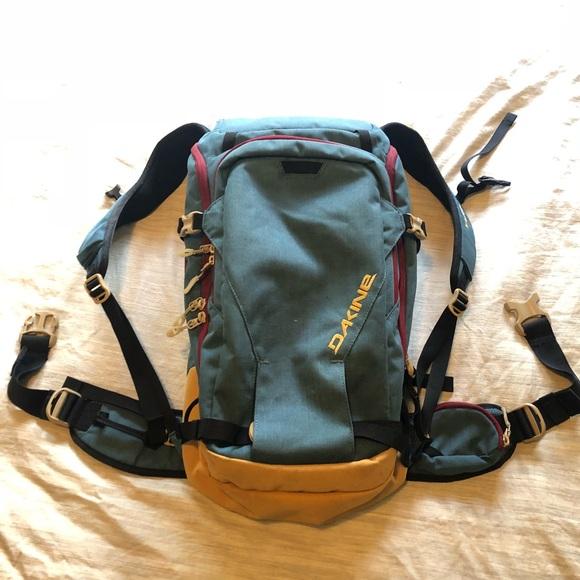 eeedb8cd2b Dakine Handbags - Women s Dakine Heli Pro DLX 24L backpack